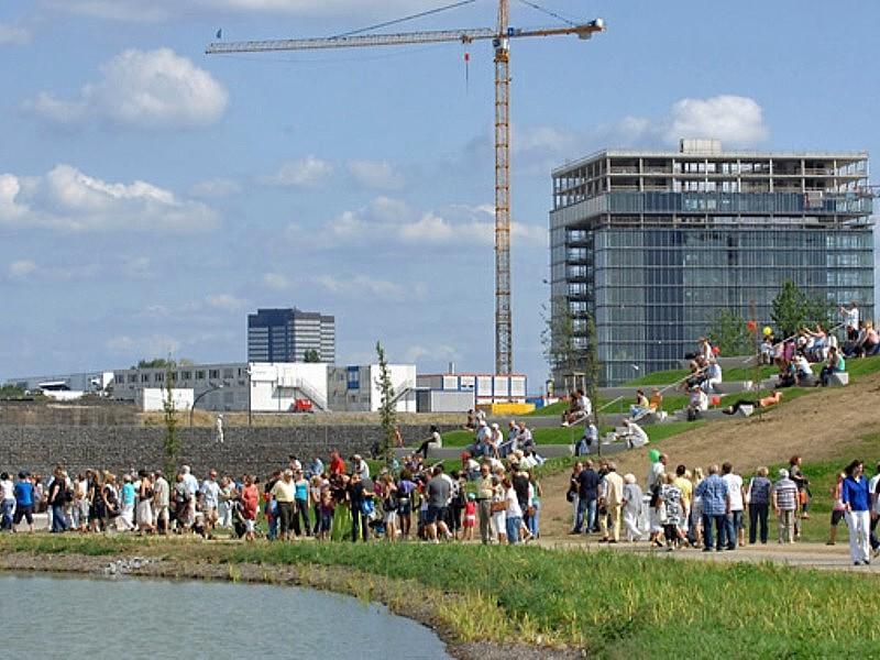 Krupp-Parkfest, Blick auf das ThyssenKrupp Hauptqartier. 22. 08. 2009, © Prengel